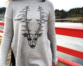 Deer head & Arrows on light grey Ocean poncho