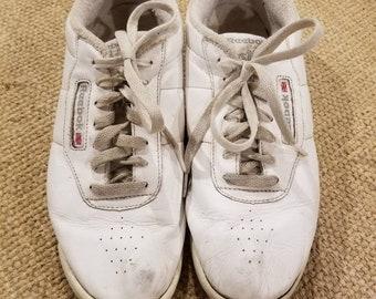 f963ba02ab9ca7 80s vintage Reebok classic sneakers size L11