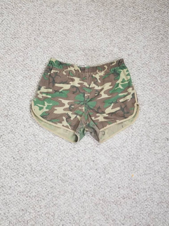70s 80s camo shorts, camouflage shortie shorts, tr