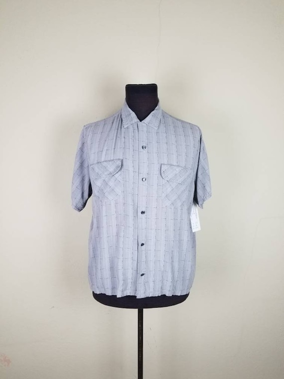40s-50s mens shirt, short sleeved, light grey wove