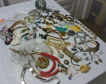 2 POUNDS Findings,Jewelry,Beads,Craft Lot,Vintage,Creative Broken Lot