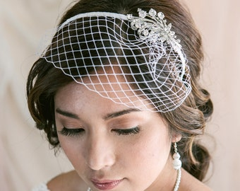 Petite Birdcage Veil with Crystal Brooch, Wedding veil, Bridal Veil, Birdcage Headband, Wedding Hair Accessory