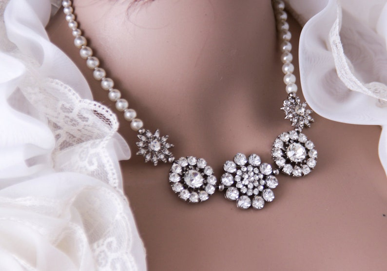 Vintage Style Pearl Bridal Necklace Pearl Brooch Necklace image 0
