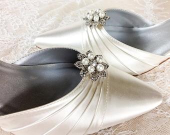 Bridal Shoe Clips, Wedding Shoe Clips, Rhinestone Shoe Clips, Bridesmaids Shoe clips, Wedding Shoes embellishments