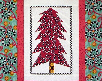 PDF: Forest Night Wall Hanging, Fat Quarter Friendly, Paper Pieced Quilt Pattern, Mini Quilt, Solitary Tree, Christmas, Winter Solstice