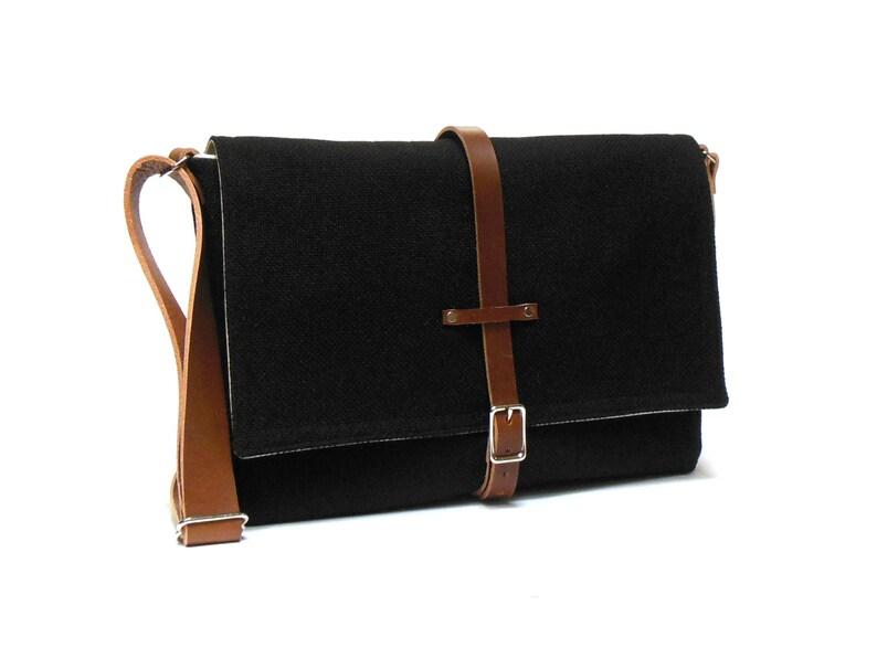 MacBook Air messenger bag  black image 0