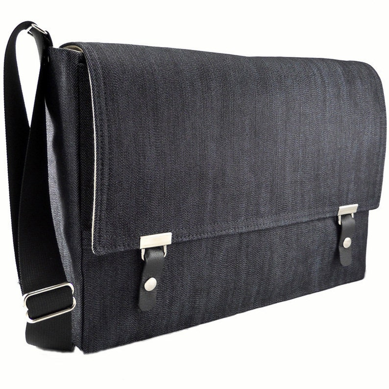 15 MacBook Pro messenger bag  dark blue denim image 0