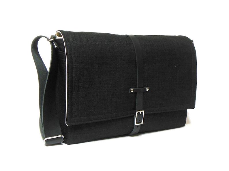 Ultimate Stash laptop messenger bag  black image 0