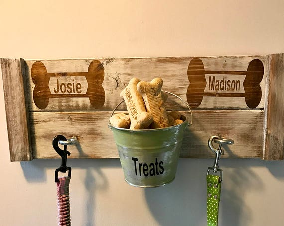 Farmhouse Pet Leash Holder, Pet Leash Hook, Wood Pet Sign, Personalized Pet Sign, Pet Gift, Pet Treat Holder