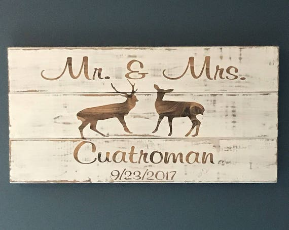Mr and Mrs Wedding Sign decor, Wedding Gift for the Newly Wed Couple Gift, Housewarming Gift,