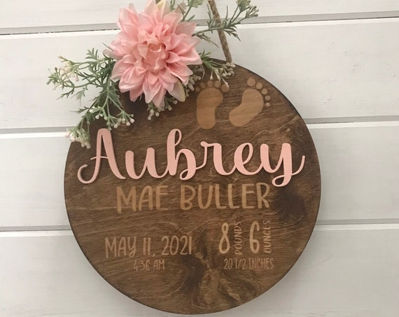 Custom Wooden Name Sign for Nursery Wall Decor, Round Wood Sign, Newborn Coming Home Gift, Personalized Name, New Born Photo Prop Sign