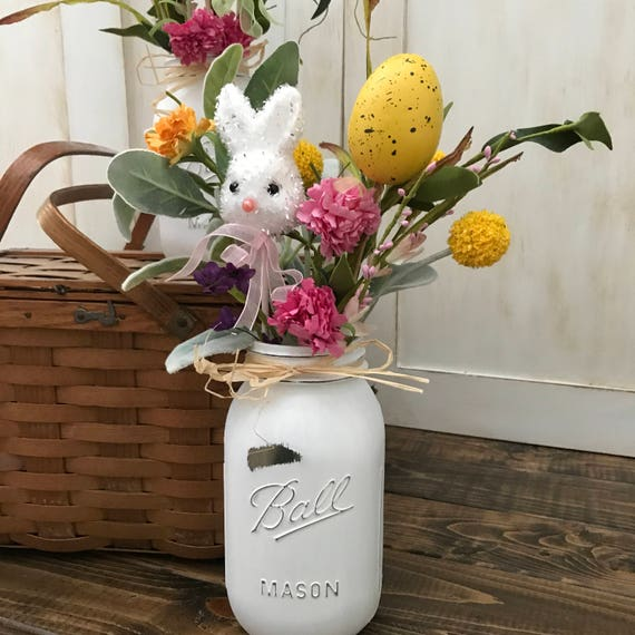 Rustic Easter Table, Farmhouse Table Decor, Mason Jar decoration, Easter Entryway decor, Rustic Mason Jar for Easter, Rustic Easter Bunny
