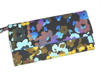 Envelope Wallet / Wallet / Wristlet / CheckBook / Cell Phone / Bridesmaid Gifts / Retro Painted Flowers