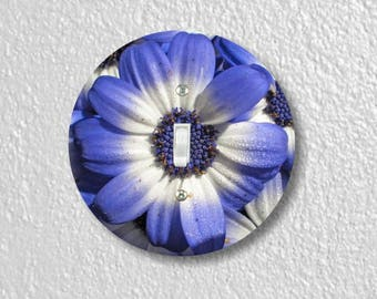 Blue Daisy Flower Round Single Toggle Switch Plate Cover