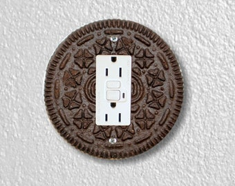 Chocolate Sandwich Cookie Round Grounded GFI Outlet Plate Cover