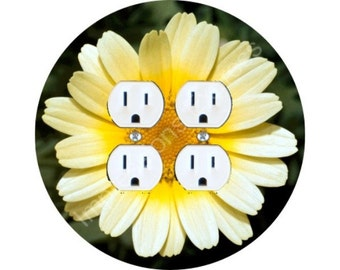 Yellow Daisy Flower Double Duplex Outlet Plate Cover