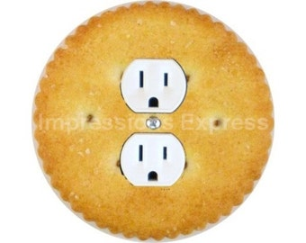 Round Cracker Duplex Outlet Plate Cover