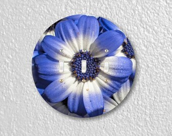Blue Daisy Flower Round Triple Toggle Switch Plate Cover