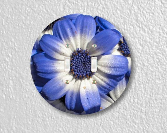 Blue Daisy Flower Round Double Toggle Switch Plate Cover