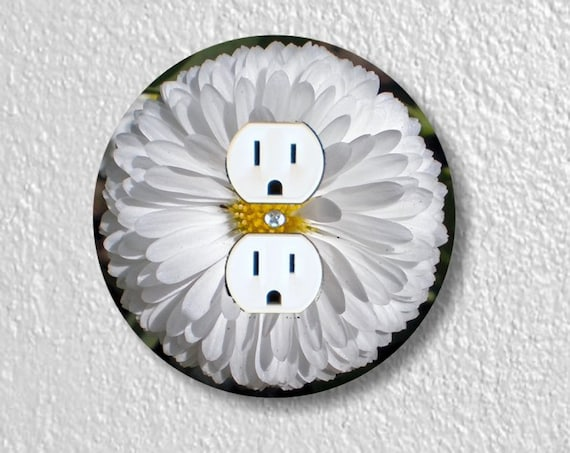 White Daisy Flower Precision Laser Cut Duplex and Grounded Outlet Round Wall Plate Covers