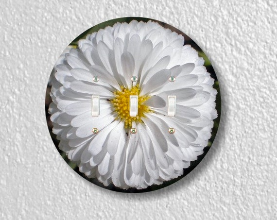 White Daisy Flower Round Triple Toggle Light Switch Plate Cover