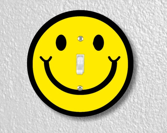 Smiling Face Round Single Toggle Light Switch Plate Cover