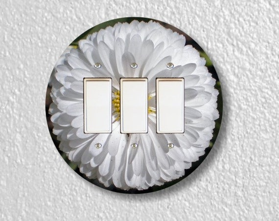 White Daisy Flower Round Triple Decora Rocker Light Switch Plate Cover