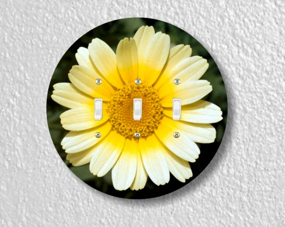 Yellow Daisy Flower Round Triple Toggle Light Switch Plate Cover