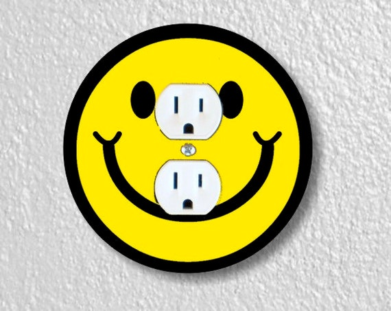 Smiling Face Round Duplex Outlet Plate Cover