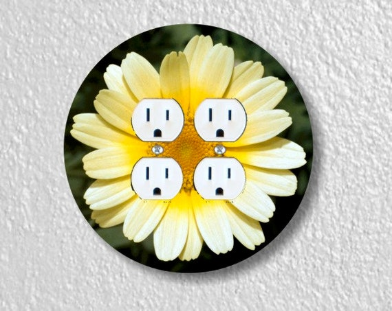 Yellow Daisy Flower Round Double Duplex Outlet Plate Cover