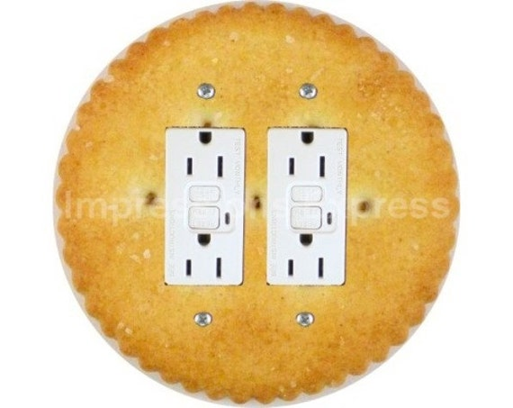 Round Cracker Double GFI Outlet Plate Cover