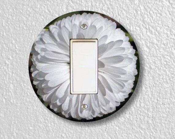 White Daisy Flower Round Decora Rocker Light Switch Plate Cover