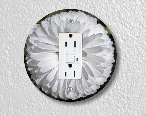 White Daisy Flower Round Grounded GFI Outlet Plate Cover