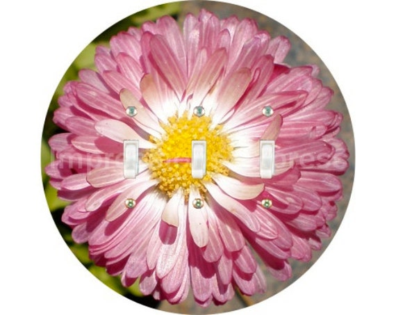Pink Daisy Flower Triple Toggle Switch Plate Cover