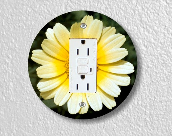 Yellow Daisy Flower Round GFI Grounded Outlet Plate Cover
