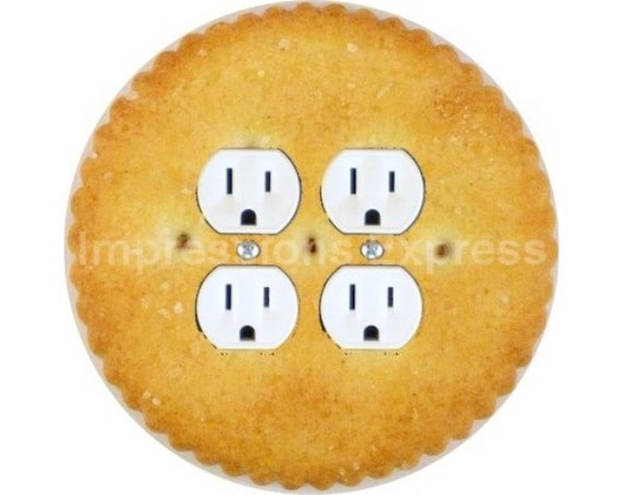 Round Cracker Double Duplex Outlet Plate Cover