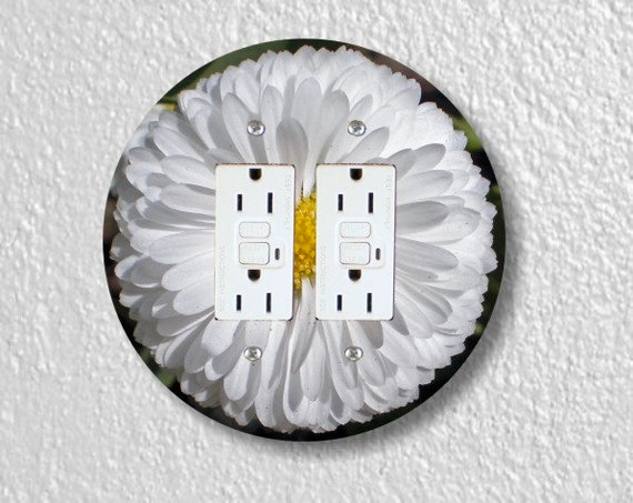 White Daisy Flower Round Double GFI Grounded Outlet Plate Cover