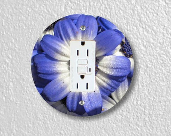 Blue Daisy Flower Round GFI Grounded Outlet Plate Cover