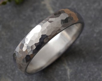 Rustic Weding Band in White Gold,  Hammered Effect Wedding Ring, Unisex Wedding Band