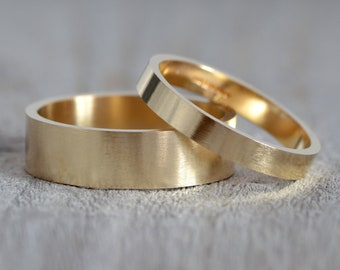 Flat Wedding Band in 9k Yellow Gold, Traditional Wedding Ring in Yellow Gold, Simple Wedding Ring