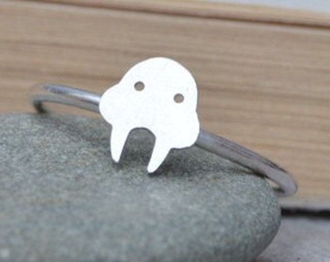 Walrus Ring in Sterling Silver, Silver Animal Ring