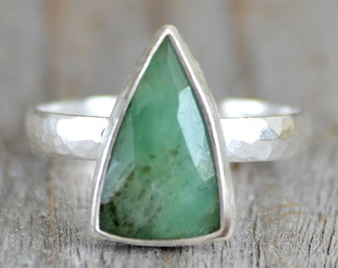 Rose Cut Emerald Ring, 2ct Emerald Ring, May Birthstone, Emerald Gift, Triangle Emerald Ring