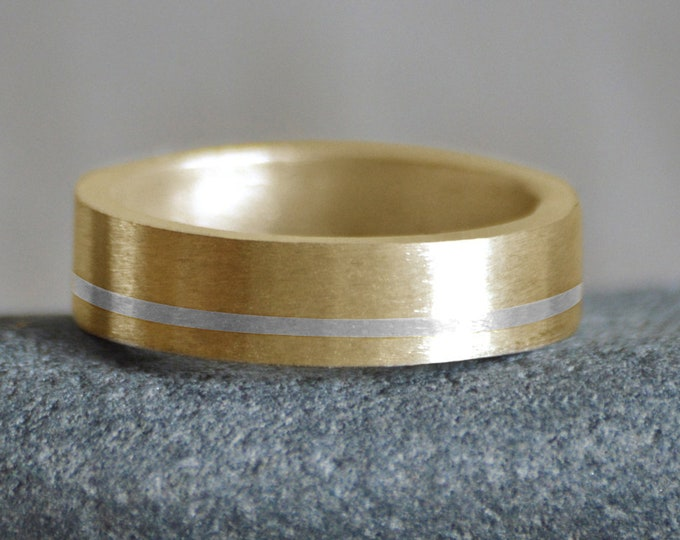 Yellow Gold Wedding Band With Fine Silver Inlay, 5mm Wide Wedding Band, Unisex Wedding Band, Elegant Wedding Ring