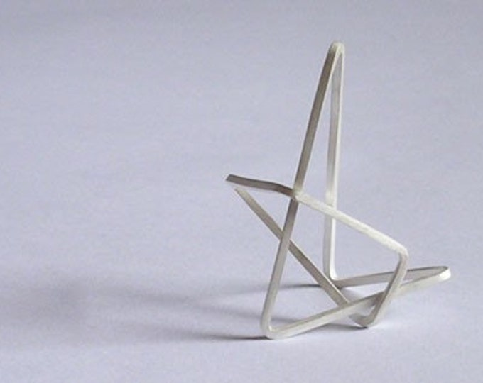Sterling silver 'ring V' from the WEARABLE SCULPTURE collection