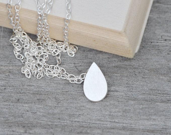 Silver Raindrop Necklace, Teardrop Necklace in Silver