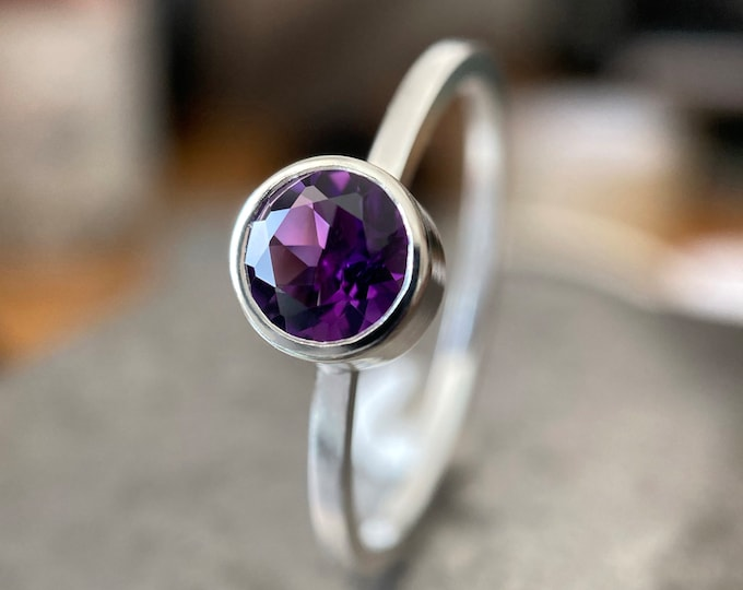 7mm Amethyst Ring in Sterling Silver, Amethyst Solitaire Ring, February Birthstone Ring