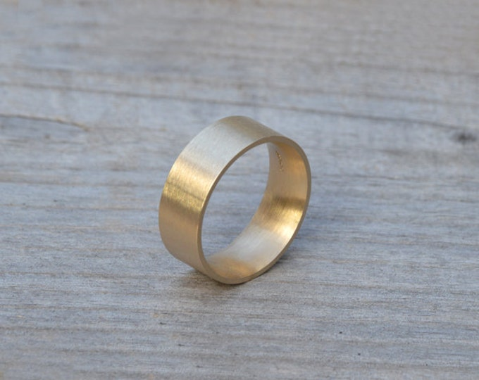 Comfort Fit Wedding Band, Yellow Gold Wedding Ring, Man's Wedding Band in 4mm, 5mm, 6mm or 8mm