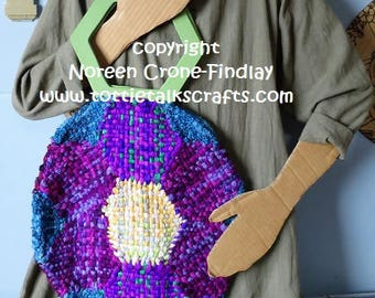 Hexagon Flower Round Bag to weave on hexagon looms designed by Noreen Crone-Findlay