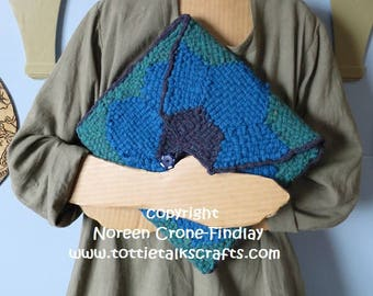 Hexagon Flower Clutch Bag (Folder or Portfolio or Electronic Device Pouch) to Weave on Hexagon Looms designed by Noreen Crone-Findlay