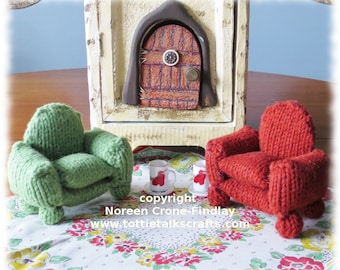 Tiny Knitted Armchair for Teddy Bears and their friends PDF knitting pattern